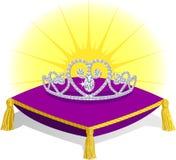 De Tiara van de prinses op Hoofdkussen Stock Foto's