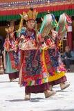 De Tibetaanse Boeddhistische lama's in de mystieke maskers voeren een rituele Tsam-dans uit Hemisklooster, Ladakh, India Stock Foto
