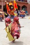 De Tibetaanse mensen kleedden masker het dansen Tsam geheimzinnigheid dans op Boeddhistisch festival in Hemis in Ladakh, Noord-In Royalty-vrije Stock Fotografie