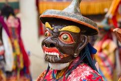 De Tibetaanse mensen kleedden zich in masker het dansen Tsam geheimzinnigheid dans op Boeddhistisch festival in Hemis Gompa Ladak Royalty-vrije Stock Foto