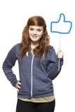 De tiener die sociale media houden ondertekent het glimlachen Stock Foto's