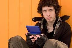 De tiener van de stad met speldoos Royalty-vrije Stock Fotografie