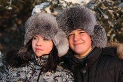 De tiener van het paar het kijken Stock Fotografie