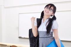 De tienerstudent viert succes in klasse Stock Fotografie