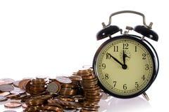 De tijd is geld, concept met Britse muntstukken Royalty-vrije Stock Foto