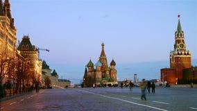 De tijd-tijdspanne van Moskou het Kremlin bij nacht stock video