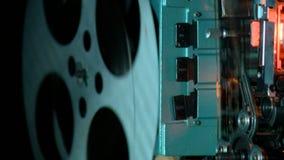 De tijd, tijdvak, eeuw, stelt, documentaire, bioskoop te boek stock video