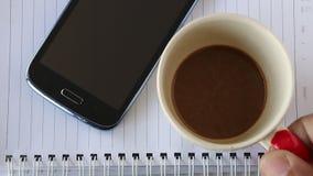 De tijd van de koffie stock video