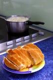 De tijd van de lunch in de keuken Royalty-vrije Stock Foto