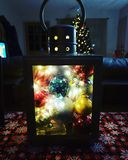 De tijd van Kerstmis Mooie aangestoken lantaarn royalty-vrije stock foto's