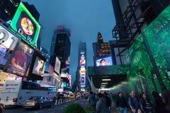 De tijden regelen - de Tijdenvierkant van het Nachtverkeer, Uit het stadscentrum New York, Manhattan stock afbeeldingen