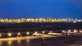 De Tijdspanneluchthaven van de vliegtuigtijd stock videobeelden