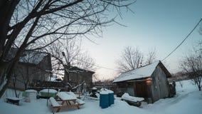 De tijdtijdspanne van afwisseling van sterrige nacht en de zonnige dag in a wintergarden stock video