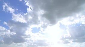 De tijdtijdspanne van de zomerwolken stock videobeelden