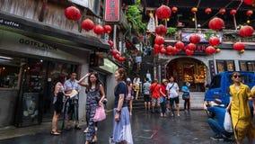 De tijdtijdspanne van Niet geïdentificeerde Mensen bezoekt erfenis Oude Stad van Jiufen in de Nieuwe Stad van Taipeh, Taiwan stock footage