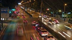 De Tijdtijdspanne van de schuine standverschuiving van Wegverkeer de stad in stock video