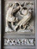 De tijger snijdt steen royalty-vrije stock afbeelding