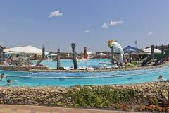` De Tiki-Tak de ` d'Aquapark dans le village de station de vacances de Dzhemete, Anapa Image libre de droits