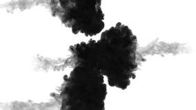 De tinta preta dissolva na água no fundo branco com resíduo metálico do luma 3d rendem da simulação computorizada três córregos e ilustração stock