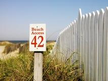 De toegang van het strand. stock foto's
