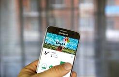 De toepassing van Vkontaktevinci op het scherm van Samsung S7 Royalty-vrije Stock Fotografie