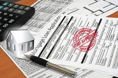 De toepassing voor een hypotheeklening is op de lijst Royalty-vrije Stock Afbeeldingen