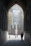 De toerist neemt beeld van dom toren in Utrecht Royalty-vrije Stock Afbeelding