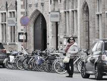 De Toerist van Brugge stock afbeeldingen