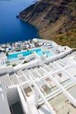De toeristen die van hun vakantie genieten bij luxehotel Royalty-vrije Stock Afbeelding