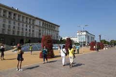 De toeristen op Onafhankelijkheid regelen in Sofia, Bulgarije royalty-vrije stock foto