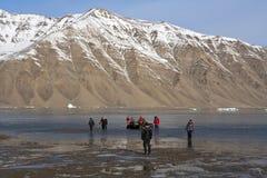 De toeristen van het avontuur - Antarcticahaven - Groenland Royalty-vrije Stock Afbeeldingen
