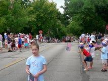 De toeschouwers bij Vierde van Juli paraderen Stock Afbeelding