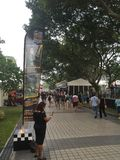 De toeschouwers die van de Grand Prix 2015 18 Sept. van Singapore 2015 gebied bekijken Stock Foto's