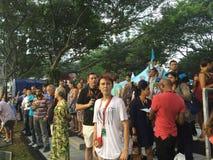 De toeschouwers die van de Grand Prix 2015 18 Sept. van Singapore 2015 gebied bekijken Royalty-vrije Stock Foto's