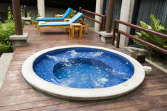 De Toevlucht en Hot Tub Water Spa van het luxehotel Stock Afbeelding