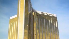 De toevlucht van de de Baailuxe van Mandalay en casino, de Strook van Las Vegas, Las Vegas, de V.S., stock video