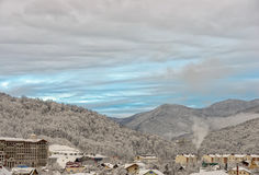 De toevlucht van de de winterberg van Sotchi Stock Fotografie