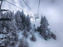 De toevlucht van de ski Stock Afbeeldingen