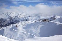 De toevlucht van de ski in de Alpen Stock Afbeelding
