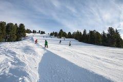 De toevlucht van de ski in de Alpen Stock Foto