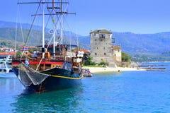 De toevluchthaven Griekenland van het cruiseschip Stock Afbeelding