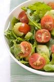De Tomaat van de kers & de Gemengde Salade van de Sla Stock Afbeeldingen