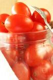 De Tomaten van de kers in Kruik Royalty-vrije Stock Foto's