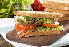 De tomatenblt sandwich van de baconsla stock afbeeldingen
