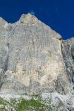 De toneel rotsachtige pieken van dolomietalpen Royalty-vrije Stock Afbeeldingen