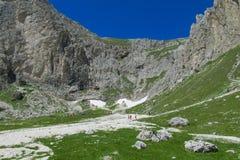 De toneel rotsachtige pieken van dolomietalpen Royalty-vrije Stock Afbeelding