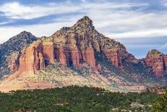 De toneelvorming van de Kathedraalrots bij Eiken Kreek in Sedona Arizona stock foto