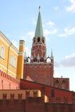 De toren en de muur van het Kremlin Stock Fotografie