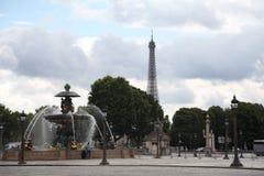 De Toren en Fontaine Des Mers van Eiffel Royalty-vrije Stock Foto