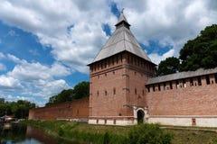 De de Toren en de vestingsmuur van Bublake van Smolensk het Kremlin, Smolensk, Rusland stock fotografie
